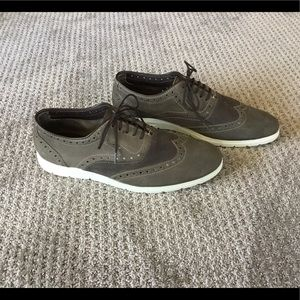 Steve Madden Grey suede wing tips size 9